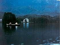 湖畔のホテルクオレ
