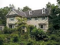 別荘地内にある宿。のんびり散策も心地よい