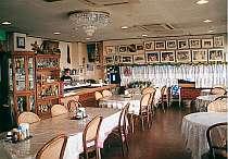 海の見えるレストランで自慢の海洋料理を!