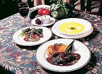 ソースが自慢のコース料理の一例