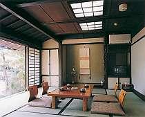 庭園を望む客室一例