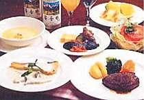 手作りの洋コース料理と季節が味わえる和の一皿を!