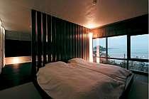 沈む夕日を眺めて・・・3階・和モダンの和洋室