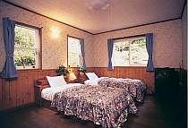 広々スペースの客室はホテルタイプの全17室