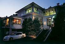 全室から雄大な富士山と山中湖が望めるホテル