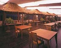 バリ風レストランでリゾート気分を満喫!