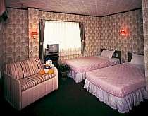 客室(季節によって寝具は変わります)