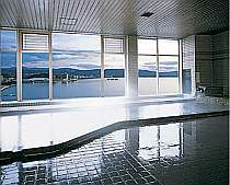 別館3階の展望温泉大浴場。眼下宍道湖を一望!