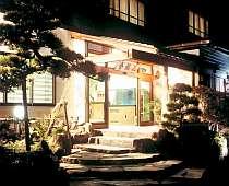 名刹修禅寺の裏参道沿いに佇む小さな旅館