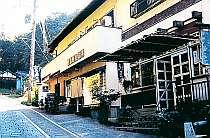 岡寺参道沿いに建つ、素朴さが◎のお宿です