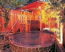 館内にある露天風呂は6種類もあり、すべて掛流し
