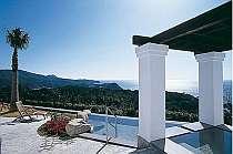 南国の雰囲気が漂う地中海風展望露天風呂
