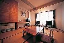 和室例。今までにたくさんのお客様が泊まってくださった私どもの宿でございます。