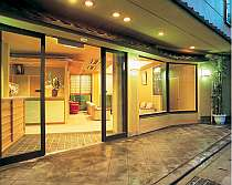 下呂温泉の中心に位置する こぢんまりとした温泉旅館