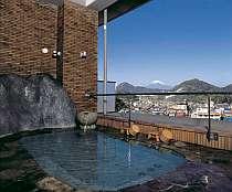 天気や季節により富士山を望める露天風呂