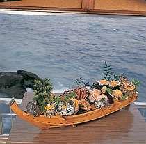 相模湾の幸をふんだんに使った舟盛。ボリューム満点