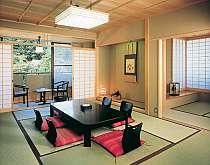 ゆったりした清潔な客室は全室、バストイレ付き(例)