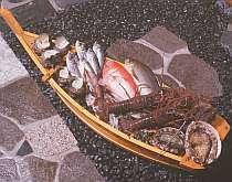 その日、河津の海に投げられる定置網でとれる地魚で