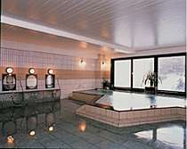 眺めの良い大浴場・サウナ付(岩菅山の伏流水と備長炭を使用しています)