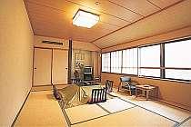 【部屋/12畳】広々としたお部屋でゆったりとお過ごしください。