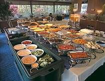 朝食は人気の35種のバイキング