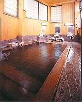 かけ流しの、天然温泉大浴場
