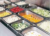 サラダバーには軽井沢の新鮮な野菜がならいます♪