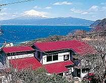 当館からの富士山は最高です!空気の澄んだ満月の夜はずっと富士山が見えます☆彡