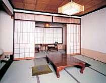 和室(8畳と4畳)次の間のお部屋