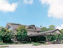 静かな車山高原に佇むリゾートホテルでゆったりとお過ごし下さい。