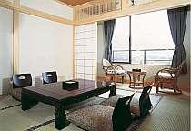 【和室8畳】全室バス・トイレ付きの広々とした客室