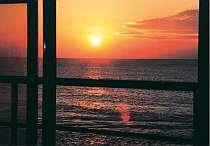 この美しい夕陽が客室から一望