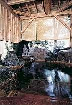 【お風呂】コンドミニアムホテルウエストの目の前の本館・本陣の温泉や露天風呂にも入浴可