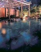 男性用露天風呂「藤花の湯」