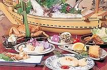 旬の地魚を使った創作料理の盛り合わせの1例です。