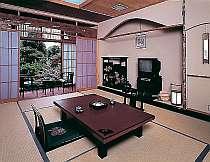【平日2組限定!くつろぎの10畳間♪】桃源郷で過ごす春の温泉