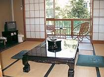 客室からは吉田川を眺めることができる