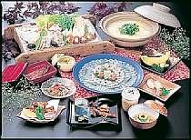 遠州灘天然とらふぐ会席膳(一例 鍋、てっさは5名盛です)