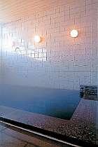ミネラルを豊富に含んだラジウム風呂