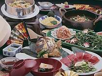 料理写真(一例) お席ごとに30分かけて炊き上げる季節の釜飯付き