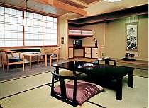 純和風客室。広い造りで落ち着ける。他に和洋室タイプ有