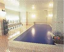 リラックス効果のあるラベンダーの香りのアロマ風呂。11月~4月中旬はクロース゛します。