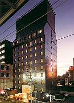 ホテル外観。名古屋駅はすぐ。