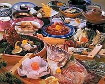 伊勢海老、松阪肉に舟盛りがついた内容。