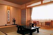 のんびり落ち着ける和室はお風呂とトイレが別々で好評!
