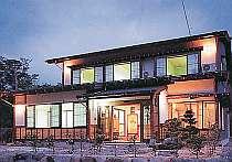 奥飛騨らしいおもてなしの全5室の小さな純和風旅館。ボリュームたっぷりの飛騨牛料理がクチコミで大好評!