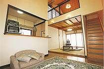 離れの客室「きんりん」は和室6畳のロフトが人気です.