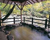 森林浴を楽しみながらの露天風呂
