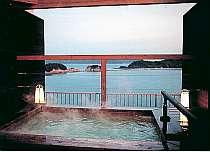 夕暮れの瀬戸内海も美しい展望露天風呂