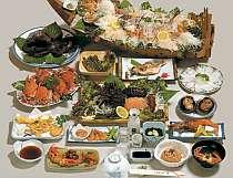 [写真]日間賀島の旬の海鮮料理をご堪能あれ!!(写真は一例)